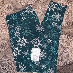 Lularoe TC2 Merry & Bright Leggings